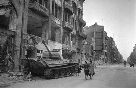 German Armored Forces & Vehicles - Panther in Berlin 1945