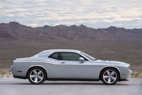 Dodge Challenger 1990: Review, Amazing Pictures and Images