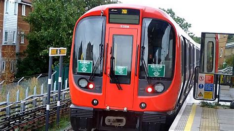 London Underground S7 Stock Observations (Circle/District