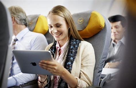 What inflight entertainment facility does Lufthansa offer